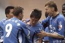 图文:[中超]青岛3-1北京 曲波庆祝进球