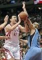 图文:[NBA]火箭vs爵士 姚明上篮