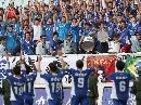 图文:[中甲]江苏3-1上海 江苏队享受英雄待遇