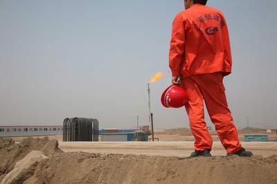 南堡油田现场 记者刘飞越摄