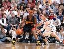 图文:[NBA]爵士vs勇士 艾尔-哈灵顿单打