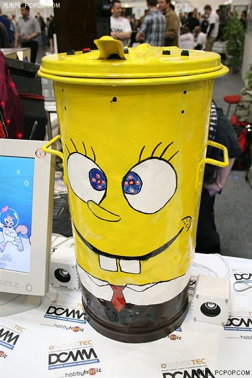 非常卡通的垃圾桶式造型图片