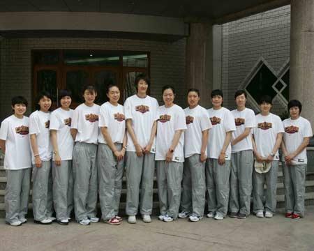 组图:女篮姑娘训练一丝不苟
