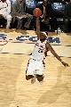 图文:[NBA]网VS骑士  詹姆斯飞人绝技