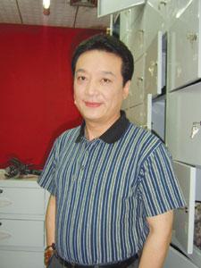 范伟 儿子爱听相声 已拜著名相声演员王平为师