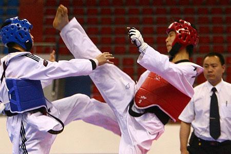 图文:跆拳道队公布世锦赛名单 测试赛选手切磋