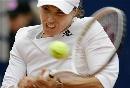 图文:WTA柏林公开赛第四日 辛吉斯遭遇苦战