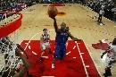 图文:[NBA]活塞胜公牛 比卢普斯上篮
