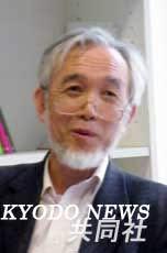 新闻工作者梶村太一郎。他发现的荷兰政府公文证明日本宪兵曾强迫妇女卖淫。