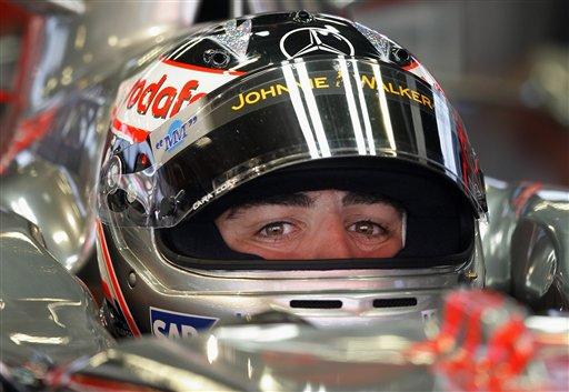 图文:[F1]西班牙站练习 阿隆索静观事态变化