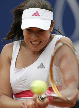 图文:德国网球公开赛 塞黑美女伊万诺维奇