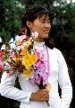 资料图片:半百栾菊杰亮剑 奥运冠军年轻时英姿