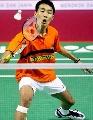 图文:鲍春来痛失男单冠军 李宗伟在比赛中