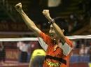 图文:印尼羽球赛击败鲍春来 李宗伟欢呼庆祝