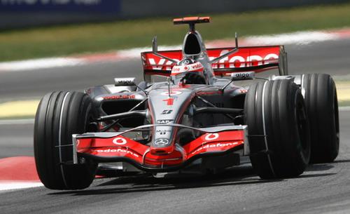 图文:[F1]西班牙站正赛 阿隆索很难挽回颓势