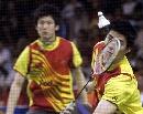 图文:印尼羽球超级系列赛夺冠 付海峰准备击球