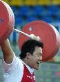 图文:全国男子举重锦标赛 王海龙在比赛中