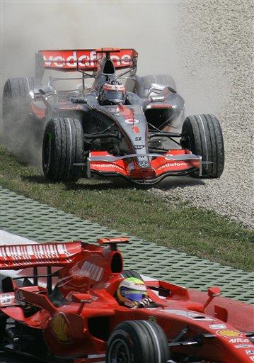 图文:[F1]阿隆索发车事故 马萨顺利击败阿隆索