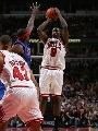 图文:[NBA]公牛战胜活塞 邓外线跳投