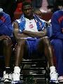 图文:[NBA]公牛战胜活塞 麦克代斯表情凝重