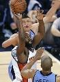 图文:[NBA]爵士vs勇士 戴维斯快攻上篮