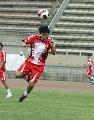 图文:国奥备战乌拉圭国奥 姜宁鱼跃头球攻门