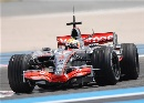 图文:[F1]里卡多赛道测试 汉密尔顿敬业精神强