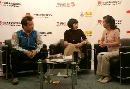 图文:《乒乓世界》做客华奥搜狐 与主持人交流