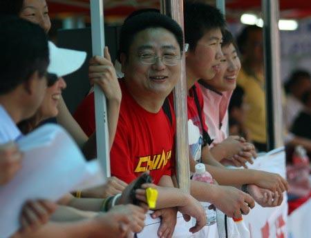 图文:全国游泳冠军赛第三日 张亚东露出笑脸