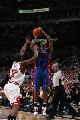图文:[NBA]活塞vs公牛 比卢普斯三分出手