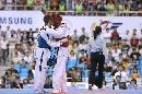 图文:世锦赛男子67公斤级半决赛 互致问候