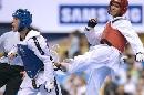 图文:世锦赛男子67公斤级半决赛 背后偷袭