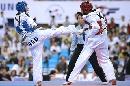 图文:世锦赛男子67公斤级半决赛 躲过一招