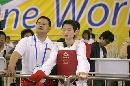 图文:吴静钰夺得世锦赛中国队首金 与教练等待