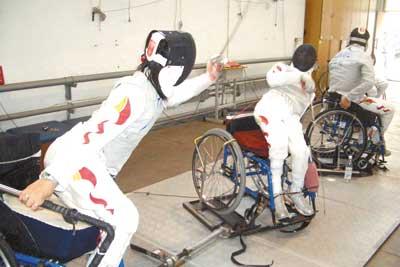 训练中的张蕾(左)特别刻苦
