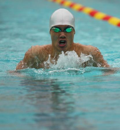 图文:全国游泳冠军赛第六日 决赛中的赖中坚