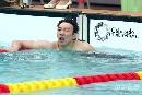 图文:全国游泳冠军赛第六日 陈祚焦急等待成绩