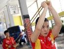 图文:中国乒乓队轻松备战 王楠看准目标