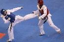 图文:罗微惜败女子72公斤级半决赛 飞腿出击