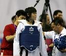 图文:罗微惜败女子72公斤级半决赛 整理装备