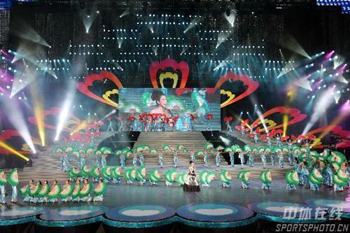 图文:第七届残运会闭幕式 演出现场