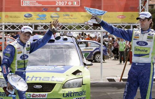 图文:[WRC]意大利站第三阶段 福特车手夺冠亚军