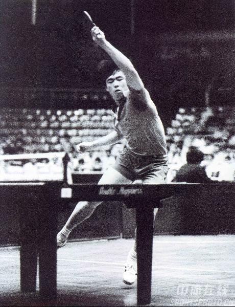 图文:乒乓球资料图片 1982年全运会蔡振华夺冠