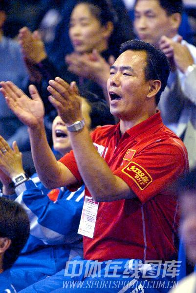 图文:[乒乓球]47届世乒赛回顾 蔡振华喝彩