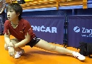 图文:中国乒乓队赛前训练 刘诗雯若有所思