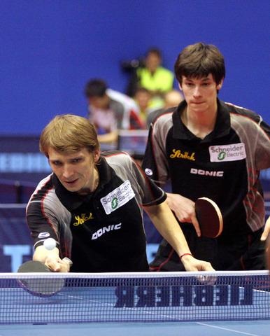 图文:世乒赛男单首轮施拉格爆冷出局 男双比赛
