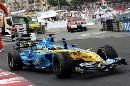 组图:[F1]06年摩纳哥站回顾 阿隆索庆祝胜利