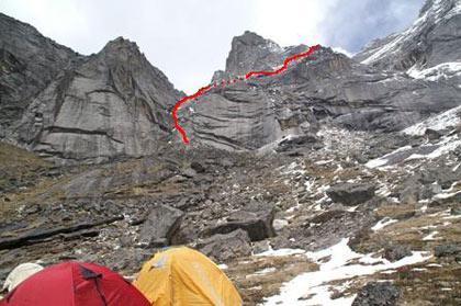 BC看小仰天窝,红色为攀登路线