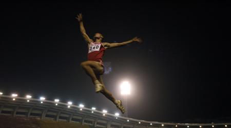 全国田径大奖赛在广东肇庆举行。新华社记者廖宇杰摄