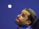 图文:高手发球表情各异 希拉的眼里只有银球